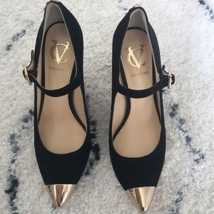 Vince Camuto Black Heels w/ Gold tips. NEVER WORN!